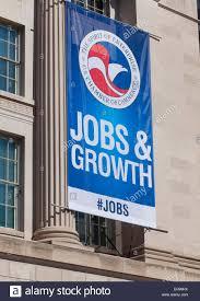 emploi chambre de commerce l emploi et la croissance la bannière sur la chambre de commerce