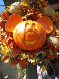 thanksgiving at disney 10 things to do at disney this fall includes disney tips