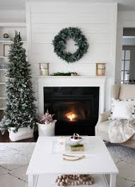30 fabulous christmas decorated living rooms to inspire