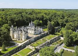 What Is The Definition Of Opulent French Castles And Loire Valley Châteaus To Visit Photos