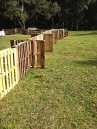 homesteading in hawaii temporary pallet fence