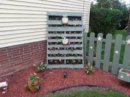 standing vertical garden u2022 1001 pallets