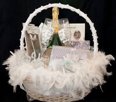 wedding gift baskets 20 wonderful wedding gift ideas uberlyfe