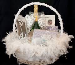 wedding gift basket 20 wonderful wedding gift ideas uberlyfe