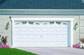 puertas de cocheras automaticas tips para elegir una puerta de garage