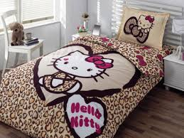 Hello Kitty Bedroom Set – Various Cute Decorations to Fill in