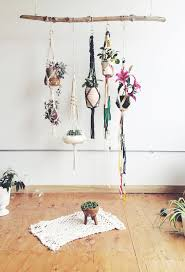 Wall Plant Holders Best 25 Diy Hanging Planter Ideas On Pinterest Hanging Plants