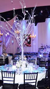 Winter Wonderland Centerpieces by 65 Best Gilitter And Snow Gala Images On Pinterest Marriage