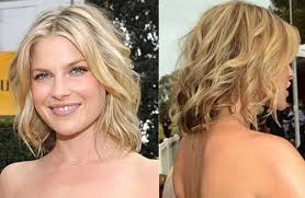 short hair layered and curls up in back what to do with the sides short layered haircuts for wavy hair