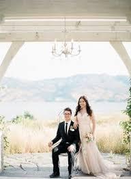 wedding flowers kelowna hung photography wedding photography kelowna wedding