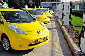 nissan leaf youtube commercial more than 500 nissan electric cars in taxi service now