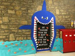 my door shark for the decorating contest teaching things