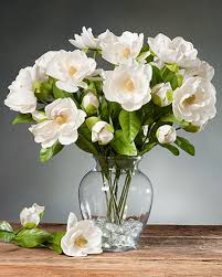 Vases With Fake Flowers Stunning Silk Magnolia Arrangements At Unbeatable Prices At Petals