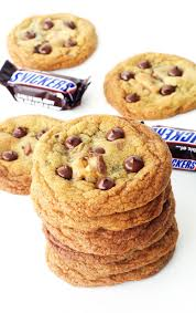 seriously crispy chewy snickers cookies sweetest menu