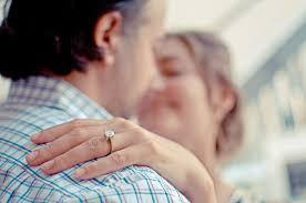 verlobungsring nur frau heiratsantrag ideen für mann verlobungsring die richtigen worte