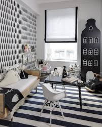 chambre enfant noir et blanc enfant en noir blanc