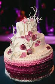 unique wedding cakes 10 unique wedding cakes we bridalguide