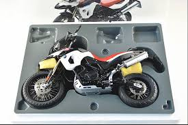 bmw f800gs motorcycle autoart 1 10 10008 bmw f800gs 30th anniversary edition motorcycle