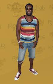kevin hart wore jean shorts and now we have to talk about jean