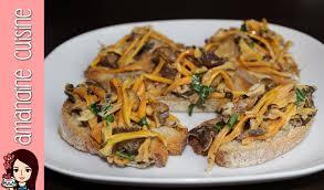 cuisiner les chanterelles grises recettes de tartines aux chignons chanterelles