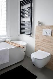 basic badkamer zwart wit hout makeover nl badkamer