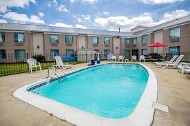 Comfort Inn Suites Airport And Expo Sleep Inn Louisville Airport U0026 Expo Louisville Hotels From 73