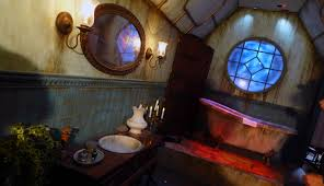 halloween horror nights 2015 rumors behind the thrills behind the scenes of crimson peak maze of