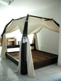 chambre lit baldaquin voilage pour lit baldaquin impressionnant rideaux pour chambre a