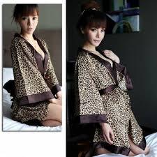 robe de chambre en soie femme peignoir soie femme awesome peignoir femme en soie guide des