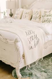 Pinterest Home Decor Shabby Chic Best 25 Chic Bedding Ideas Only On Pinterest Modern Chic