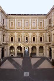 cortile palazzo farnese palais farnèse centre accueil des touristes et pèlerins rome