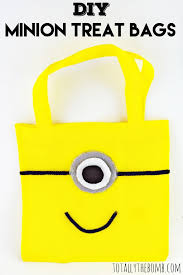 minion gift bags 21 cool diy minion party ideas minionsallday