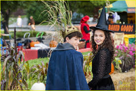 bailee madison turns into a witch for u0027good witch u0027 halloween