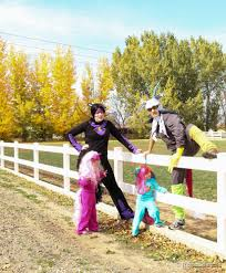 Halloween Costume Themes For Families by Remodelaholic Fun Family Halloween Costume Ideas