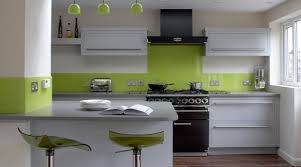 wandgestaltung küche ideen wandgestaltung küche tafelfarbe akzentwand holzmöbel