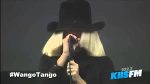 Sia Singing Chandelier Live Sia Chandelier Live On Wango 2015