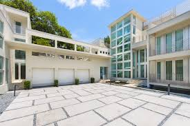 Homes For Sale On Zillow by 11 Celebrity Homes For Sale Luxury Homes And Mansions For Sale
