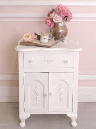 Shabby Chic Decor Bedroom by 24 Best Shabby Chic Nightstands Images On Pinterest Painted