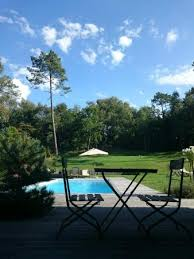 la chambre en direct vue de la chambre sherwood accès direct jardin photo de villa vent