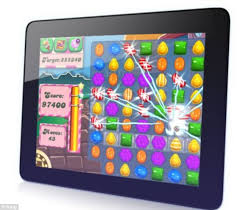 candy crush saga overtakes angry birds as the world u0027s most popular