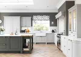 gray kitchen walls with oak cabinets lush gray kitchen oak cabinets kitchen colors with oak cabinets gray