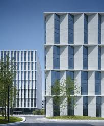 Commercial Building Interior Design by Best 25 Office Buildings Ideas On Pinterest Office Building