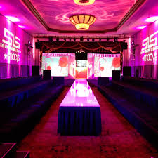 Cheap Table And Chair Rentals In Los Angeles Runway Rental For Fashion Show Stages In New York City Los