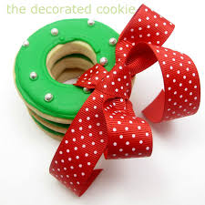 simple christmas wreath cookies the decorated cookie