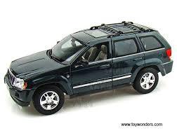 jeep cherokee toy 2005 jeep grand cherokee suv 31119gn 1 18 scale maisto wholesale