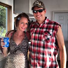 Diy Womens Halloween Costume Ideas Diy Couples Halloween Costumes Halloween Pinterest Redneck