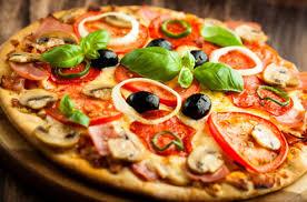 cuisiner une pizza sos bien cuire une pizza au four darty vous
