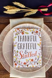 3 simple thanksgiving place setting ideas the everygirl