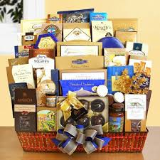 best food gift baskets 10 top quality easter treats gift baskets you would to buy