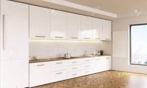 tableau blanc cuisine vue de côté de l intérieur de la cuisine de luxe avec des meubles